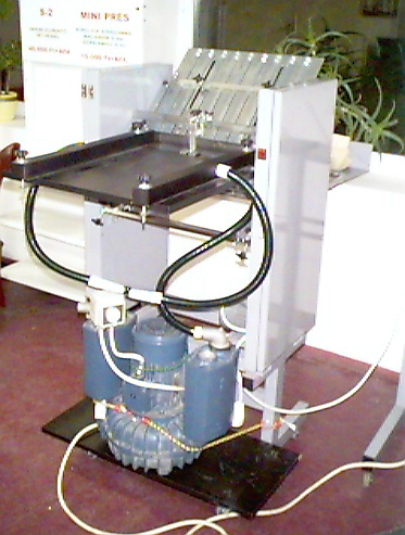 vacuum feed folding machine